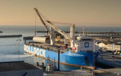 Sea transported wind turbine towers