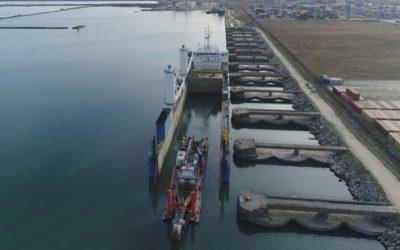 Storm transports cutter dredger 'Ural River'