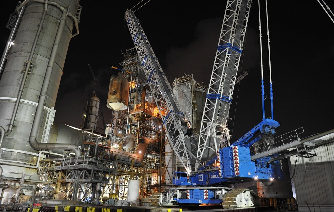Strategic lifts at petrochemical plant
